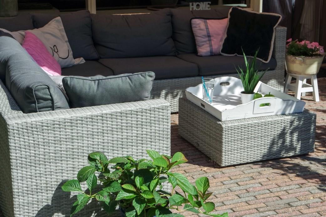 Loungemöbel auf der Terrasse