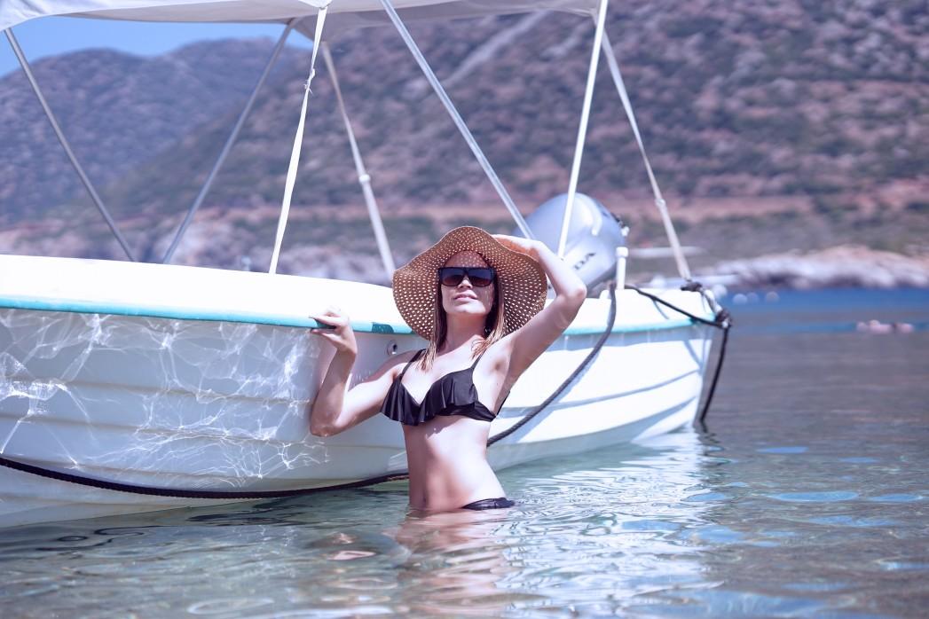 Boot in einer Bucht auf Kreta